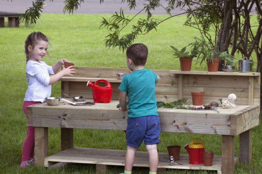 Wooden Outdoor Large Mud Kitchen 1