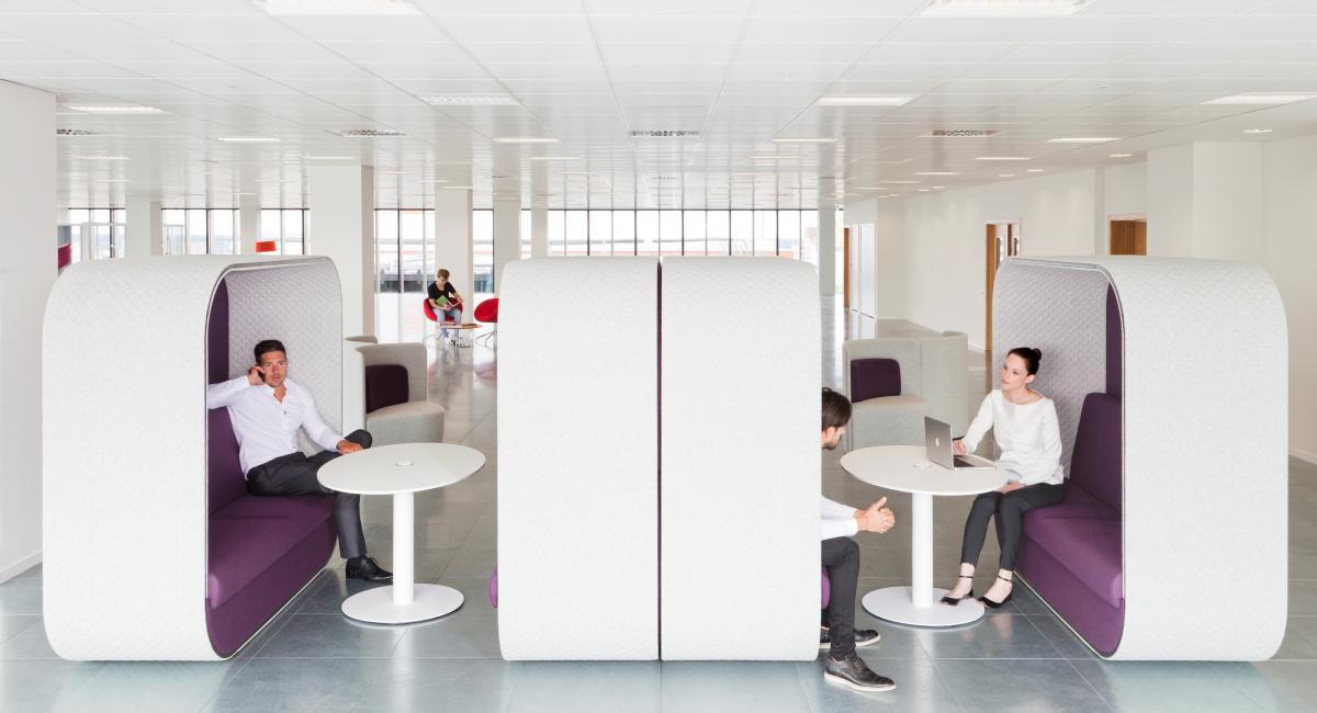 http://www.macoi.co.uk/assets/Meeting-Room-Informal-Spaces/_resampled/croppedimage1200650-Boss-Soft-Office-Brochure-010.jpg